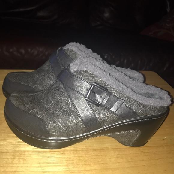 Jambu Shoes - Jambu JBU fur lined clogs